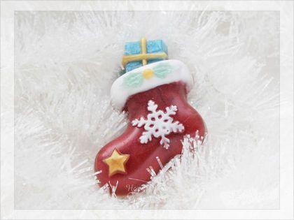 Мыло Сапожок с подарком - новогодний сапожок с подарком никого не оставит равнодушным! Такой подарок понравится и взрослым и детям! Отлично смотрится в наборе)