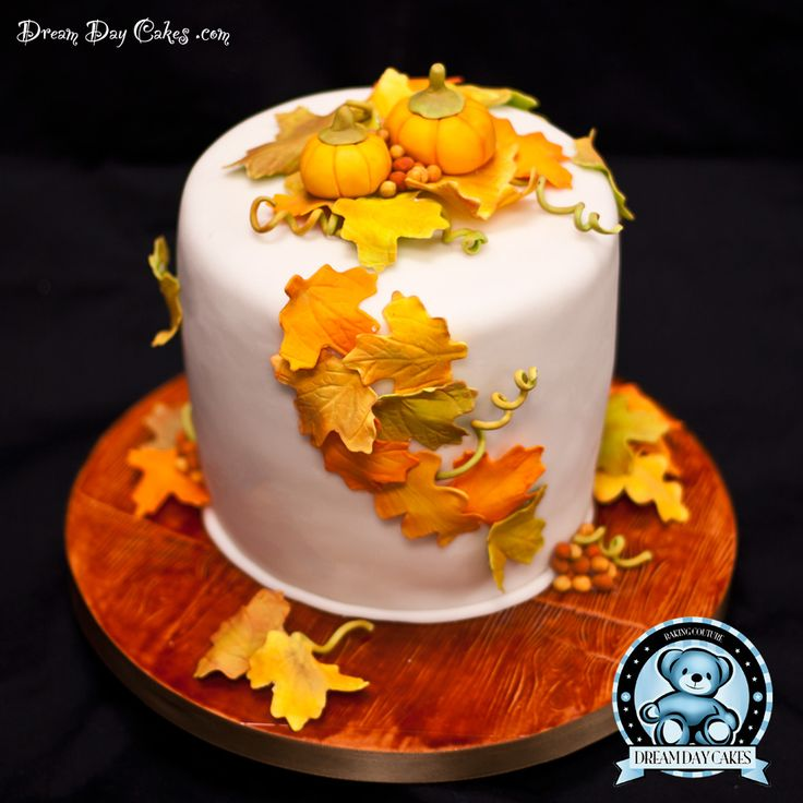 Fall baby shower cake autumn cake autumn decor baby for Autumn cake decoration