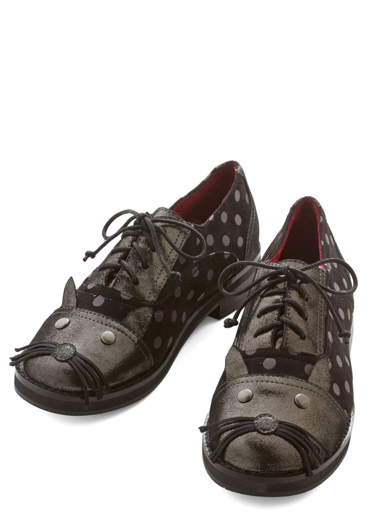 Me and Mew Flat. Curling up with your latest read is even more delightful when these polka-dotted Oxfords from Irregular Choice are your reading companions! #black #modcloth