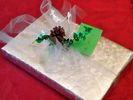 Creative Gift Wrapping Ideas you can do at home!
