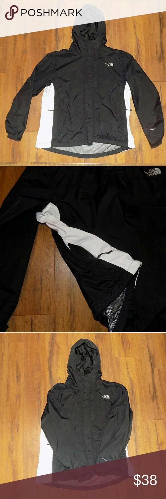 North Face Ladies Jacket.  XL Lightly worn hooded North Face jacket.  Zip close hand warmer pockets. North Face Jackets & Coats