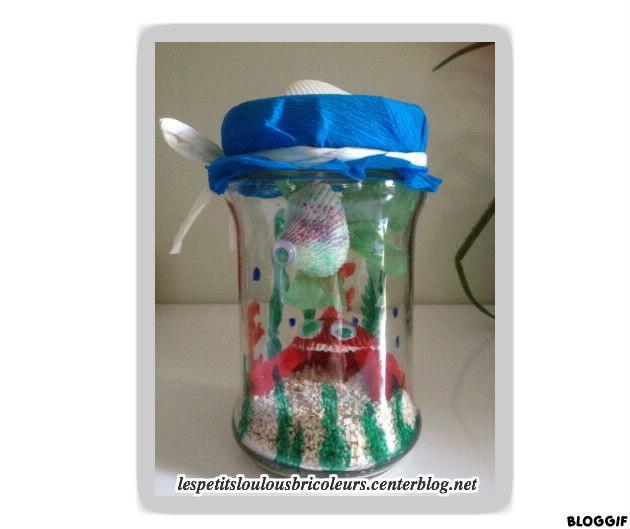 Aquarium bocal un pot en verre et son couvercle des for Bocal plastique poisson