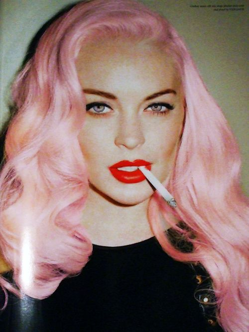 Lindsay Lohan should change back to her lifestyle at the time when she was filming Mean Girls.  :(