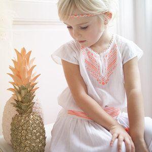 Lekker luchtige blouse van het Franse label Bonheur du Jour.     Geproduceerd in: India   Artikelnummer: ROSE   Kleur: poeder roze   Samenstelling: 100...