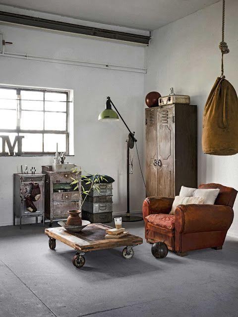 Descubre cómo reutilizar taquillas metálicas viejas para decorar tu hogar. www.manualidadesytendencias.com #decoración #taquillas #homedecor #tendencias #decoration #vintage