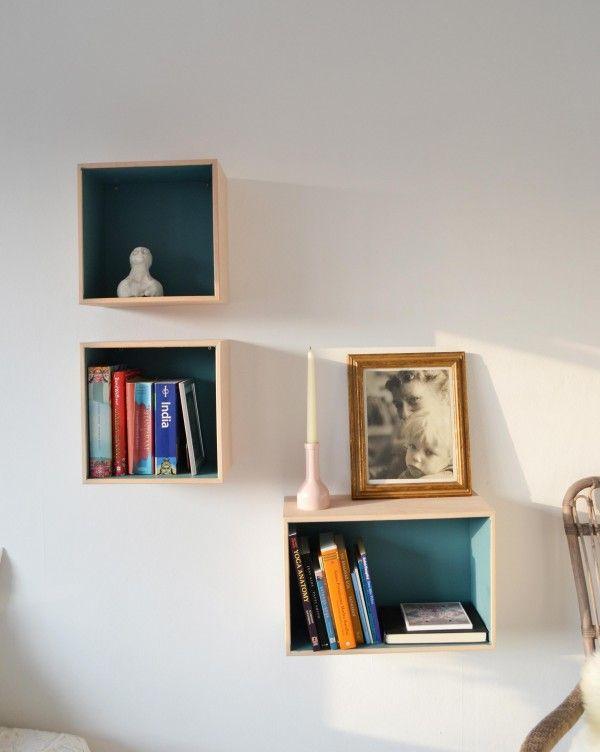 Malet bogkasser for at give dybde og lækkert design.