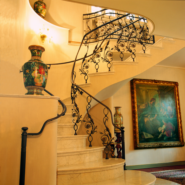 Ringhiera scala in ferro battuto fatta dai ragazzi di San Patrignano interamente fatta a mano