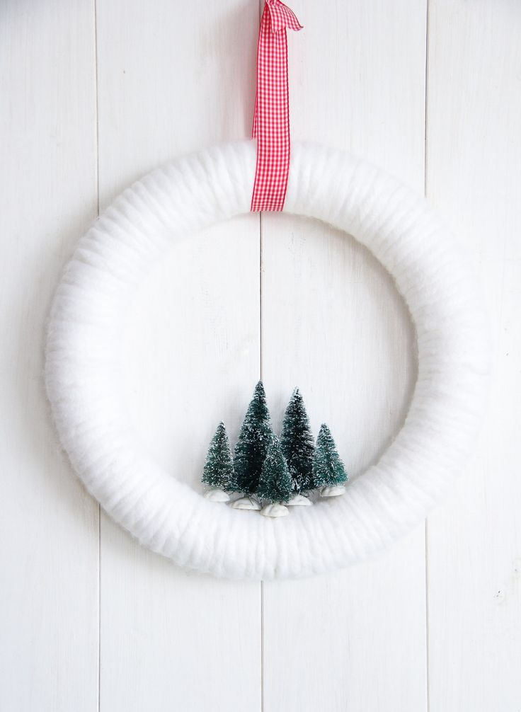 Winter Wonderland Bottle Brush Yarn Wreath Winter