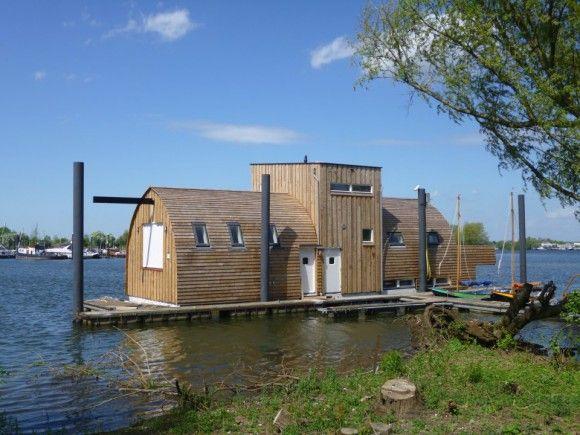 Drijvend clubhuis voor scouting - Bouwwereld.nl