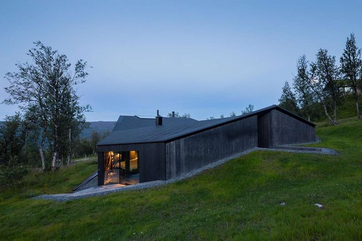When the natural setting is harsh, stark and ascetic, you can succeed in two ways when designing a building. You design to stand out and be seen, or you go the opposite route and design to blend in and become invisible. When it comes to private villas in the Norwegian mountains, the architects at Oslo-based …