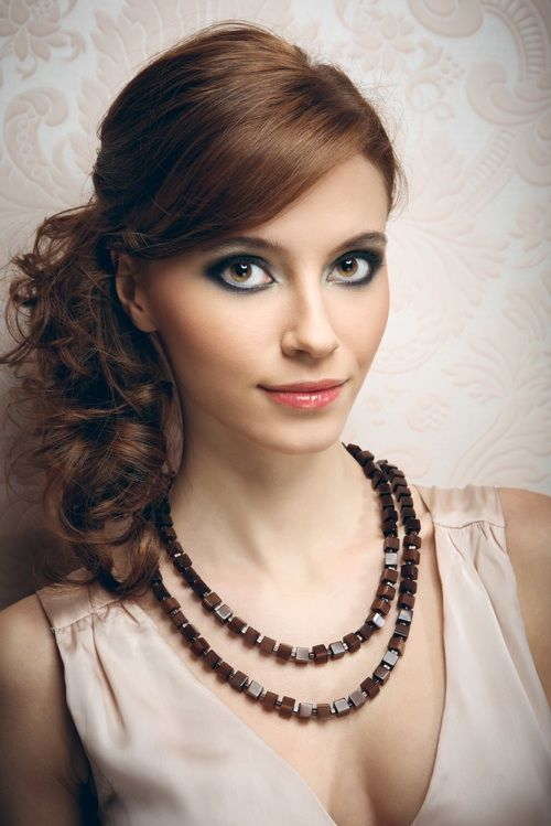 Best Curly Hairstyles for Medium Length Hair