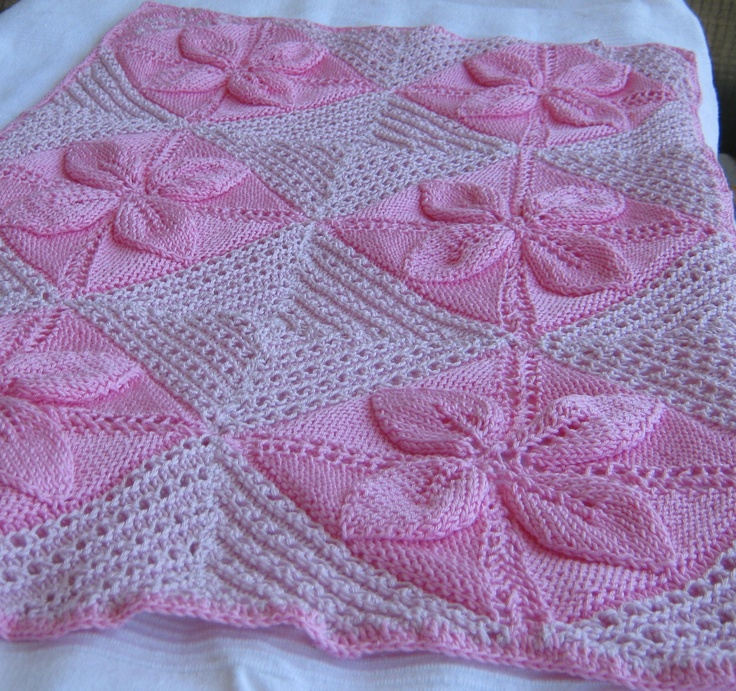 baby blanket to welcome Ana <3  knitted, in cotton, with a crochet margin and a text embroidered in a corner