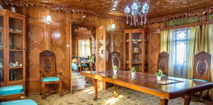 Kashmir Houseboats Tour Packages: Go on a Heavenly Holiday ..................... http://deluxehouseboatskashmir.blogspot.in/2016/02/kashmir-houseboats-tour-packages-go-on.html