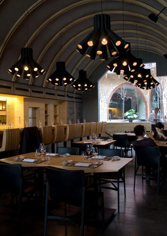 https://i.pinimg.com/736x/7c/3f/0d/7c3f0df6cb8a86031f585503ea5cb187--wine-bar-restaurant-restaurant-design.jpg