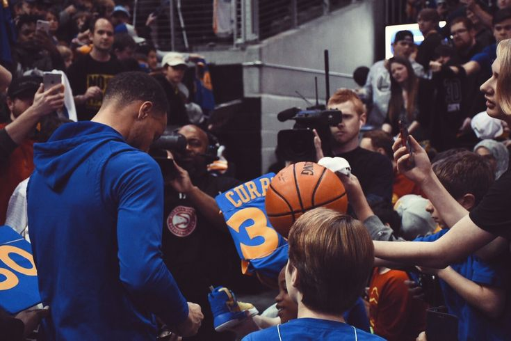 Atlanta, GA. - 3/2/18 Warriors wrapped road trip with 114-109 victory Friday. #StephenCurry finished with 28 points and became first player in NBA history to make 200 3-pointers in six seasons. #KlayThompson is four away from joining his Splash Brother in the exclusive club. #KevinDurant dropped 28 points, 5 assists and pair of blocks; his 33rd game this season with multiple blocks. #AndreIguodala finished with 9 points, 6 assists and 5 rebounds.