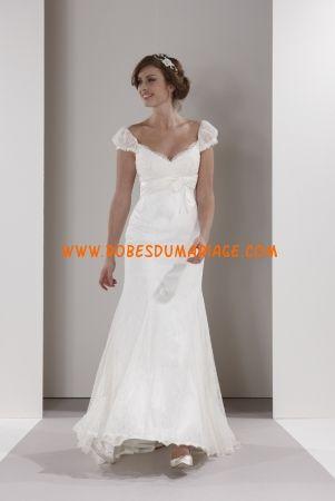 Sassi Holford belle robe de mariée longueur ras du sol avec bretelles taffetas Style Harriet