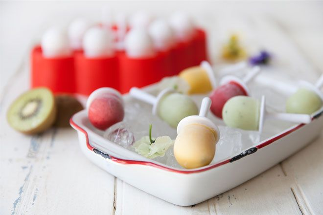 Kid-friendly mini pops - easy to make and even easier to eat. Here's a tasty recipe