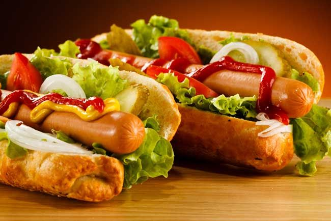 40 Different Ways How People Eat Hot Dogs Around The World. What's Your Favorite Hot Dog Style? - hot dog styles