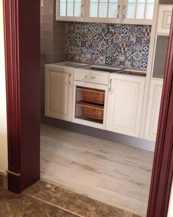 قبل تركيب سيراميك جدران المطبخ يتم عمل تصميم للخزائن عن طريق شركة مطابخ مختصة وبناء على التصميم يتم Home Stairs Design Attic Bedroom Designs Boys Bedroom Decor