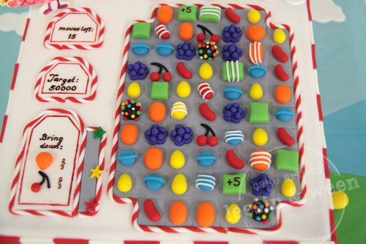 Candy Crush Cake by Lee Sin. Click here to see more pictures of this cake: http://cakejournal.com/fondant-friday/candy-crush-cake/ #CandyCrush #CandyCrushcake #Fondant