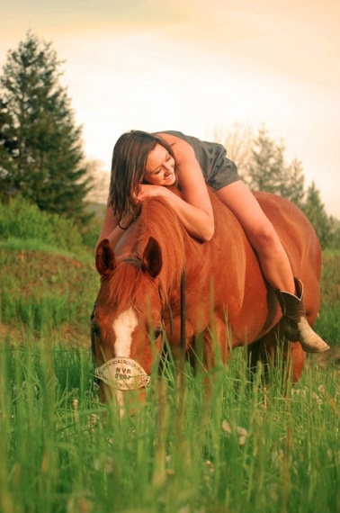 I wish Tramp wasn't gone my 1st horse love he would've been perfect for a picture like this