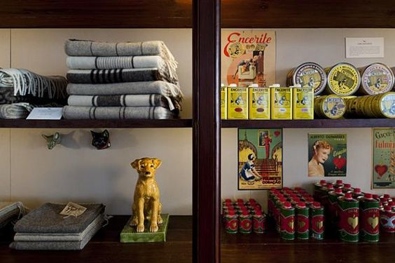 In our recent post on Baixa House, many of the rooms featured locally handmade goods sourced from A Vida Portuguesa, a charming shop in Porto and Lisbon.