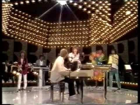 Germany 1983 (finalist) - Ingrid Peters & July Paul - Viva La mamma