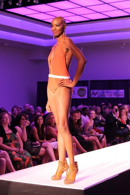 so bond girl: Style, Fashion Week, Bond Girl