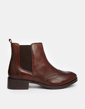 Carvela Tudor Leather Chelsea Boots