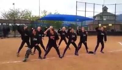 Haka!?!?!  My Daughter's softball team!!! 동영상 보기 >> http://iee.kr/2016/08/04/%ec%95%bc%ea%b5%ac-haka-my-daughters-softball-team/