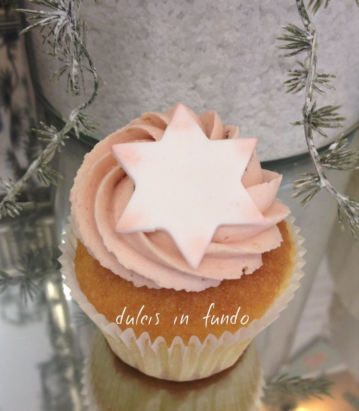 Christmas Cupcake with lemon & rasperry LIMONE E LAMPONE by dulcis in fundo