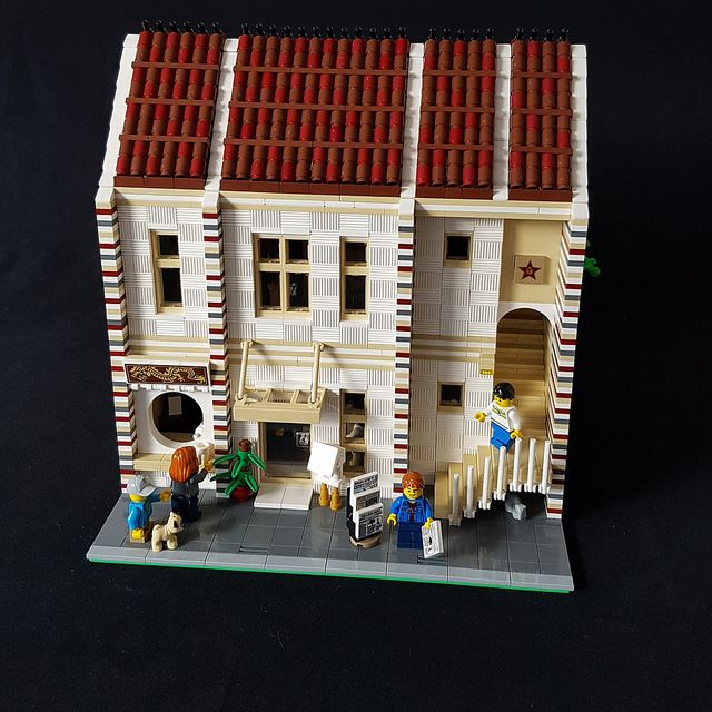 Sarah Beyer entered the BriXtar Modular House Challenge by completing a modular Chinese Restaurant and Actors Agency. The MOC is compatible with the official LEGO modular home series, and combines …
