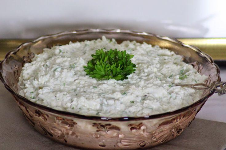 Kanapeet: Kukkakaalisalaatti