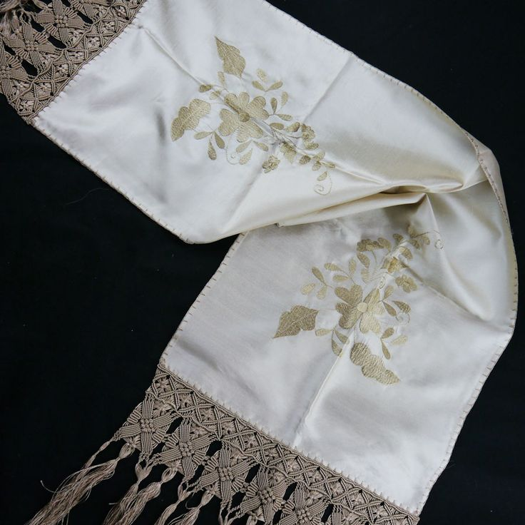 SILK TABLE RUNNER WITH EMBROIDERY AND HANDMADE MACRAME 45