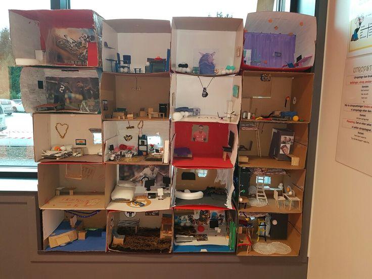 prosjekt i kunst. tittekasser. elevene på 7.trinn laget hvert sitt soverom.