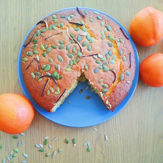 Anything other than chocolate,vanilla and cinnamon is not my cup of tea, but made this orange & cinnamon cake with burnt orange peel and was pleasantly surprised.  I think im finally growing up. :/ #baking #orangecake #vscocam #teatime #perthbakers #perthigers #alwayswithcinnamon