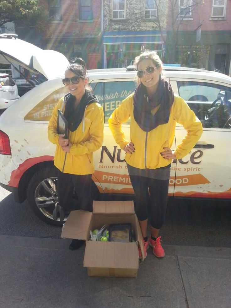 The #NourishTheBody team is at Trinity Bellwoods on this sunny day. Find them for a chance to win!!
