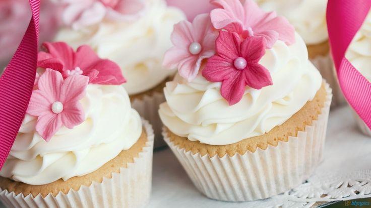 babeczki-tort-różowe.jpg (1024×576)