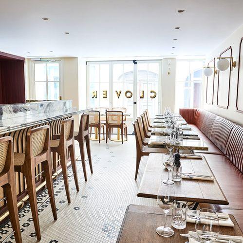 Clover Grill: Clover Grill, 6 rue Bailleul 75001 Paris. En savoir plus sur http://www.vogue.fr/lifestyle/food/diaporama/les-nouveaux-restaurants-2017-a-paris/39833#yoZPtacIT0fGjO1O.99
