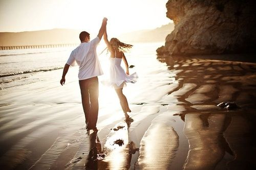 Beach love-engagement photo idea