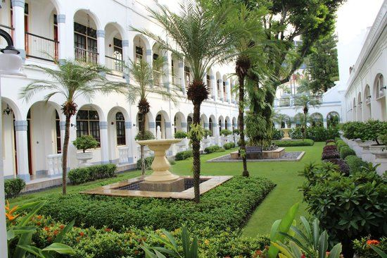 Hotel Majapahit Surabaya is one of most famous historical building hotel in Surabaya, a luxury hotel in east java of Indonesia