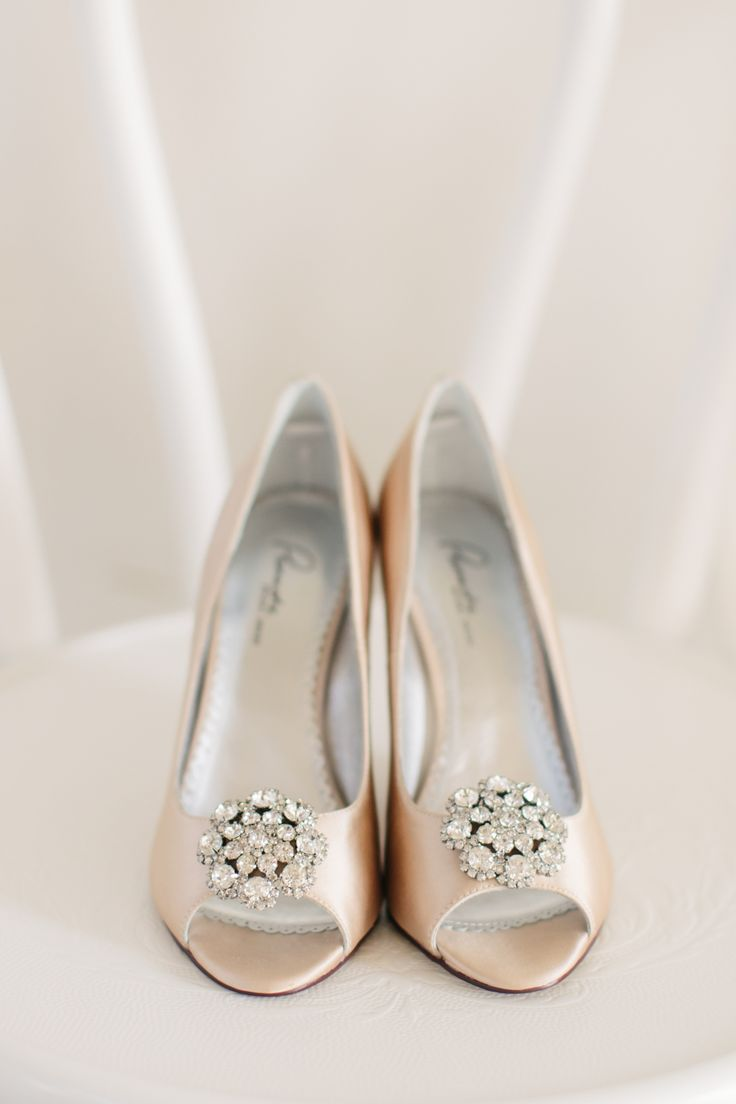 The icing! Bridal veils, shoes, jewellery and accessories available at White Lily Couture. Image: White Images for The Bride's Tree