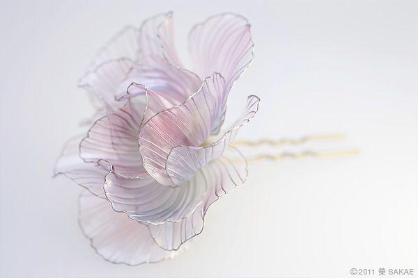 簪(かんざし)作家 榮 -sakae- 2011年 酔芙蓉 簪 スイフヨウ (Japanese hair accessory -Kanzashi- by Sakae, Japan http://sakaefly.exblog.jp/)