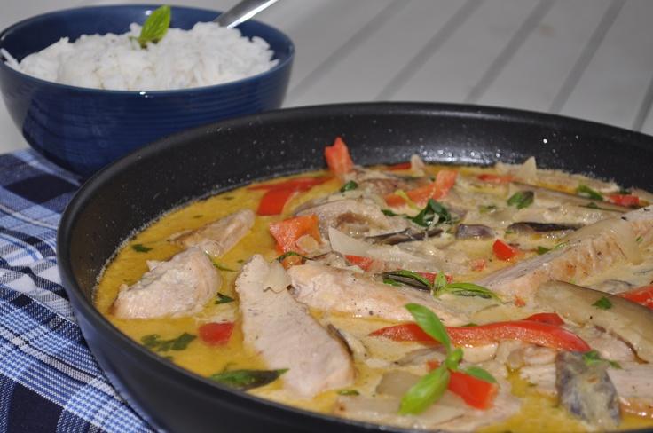 Kyllinggryte med aubergine og paprika