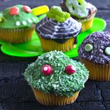 Muffins til Halloween - Opskrifter  http://www.dansukker.dk/dk/opskrifter/muffins-til-halloween.aspx #muffins #halloween #kage #uhyggeligt #sjovt #spøgelse #græskar #opskrift #inspiration #dansukker