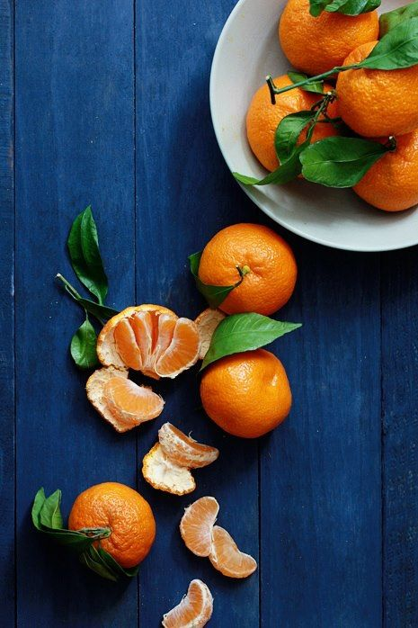 Beautiful food. :)Fruit Photos, Orange, Colors Combos, Kitchens Colors, Tangerine, Colors Palettes, Colors Food Photography, Exterior House Colors, Fresh Fruit