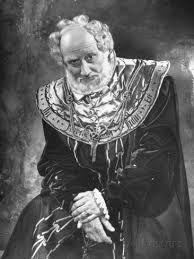 Felix Aylmer in Hamlet