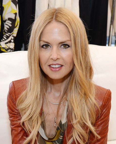These colours on #Rachelzoe make her looked lined and washed out
