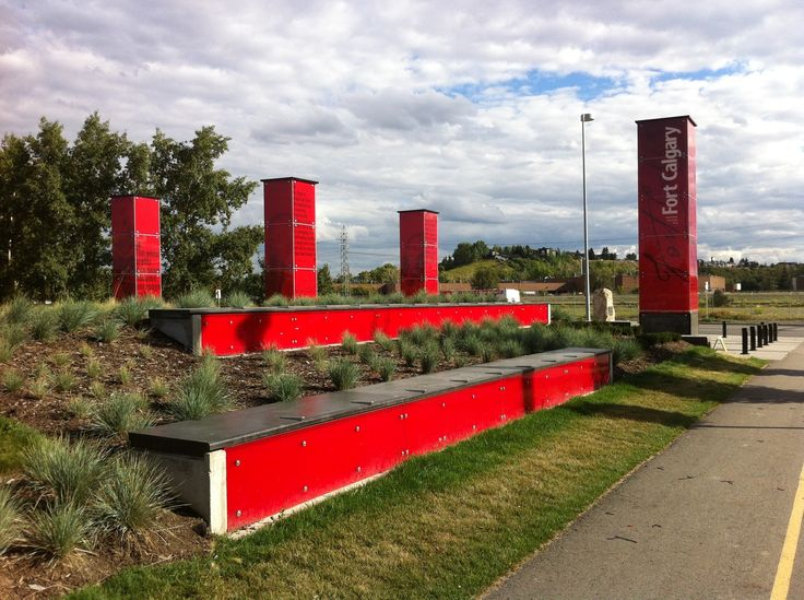New entrance to FortCalgary from the southwest with LED sentinels and benches. SMByyc65 #SMByyc65  #FortCalgary