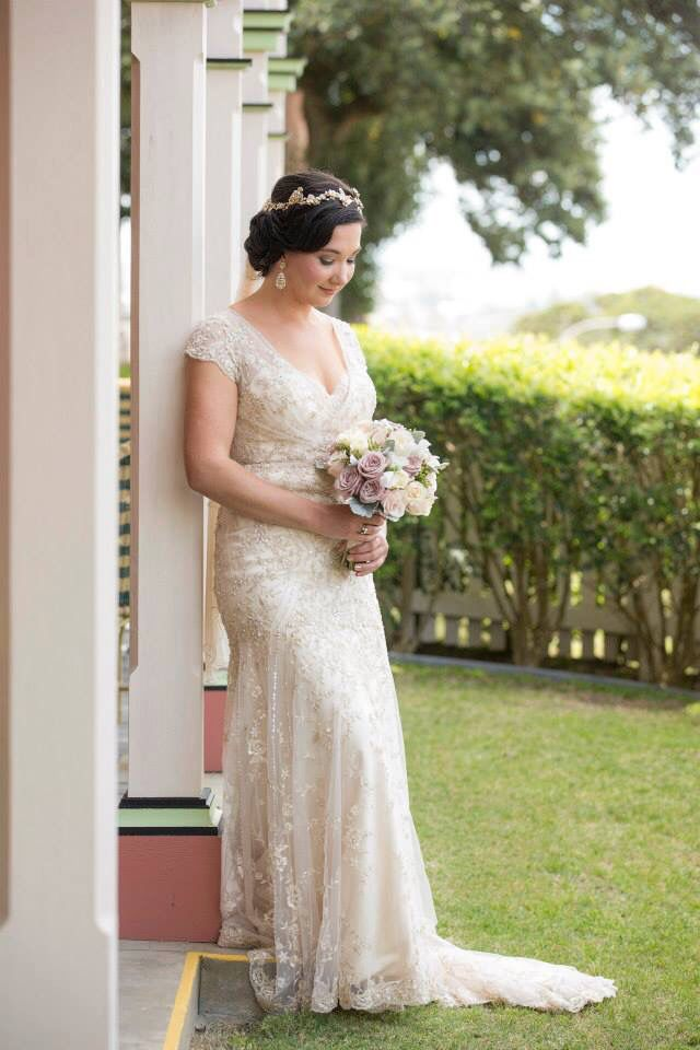 vintage bride//vintage hair and makeup//classic up style//hairpiece www.maplelane.com.au